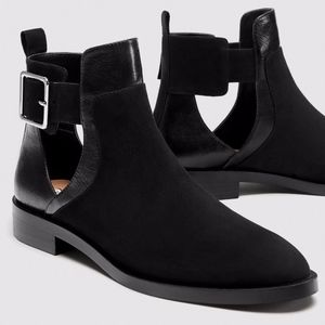 ZARA BLACK ANKLE BOOTS WITH BUCKLE